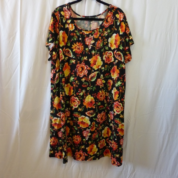 Fred David Dresses & Skirts - Fred David 3X Black with Yellow/Orange Roses Dress